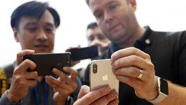 Riuh Netizen Sambut Kelahiran iPhone X