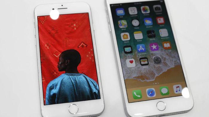 Antrean Mulai Panjang, Apple 8 dan Plus Dijual Hari Ini