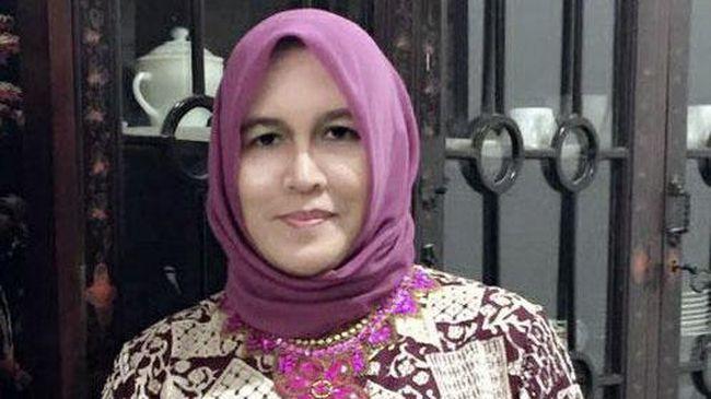 Ketua Presidium Alumni 212 Slamet Ma'arif mengatakan pihaknya lebih mendukung langkah hukum yang diambil Asma Dewi terkait dengan kasusnya.
