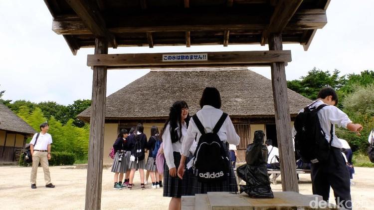 Sedang merencanakan liburan ke luar negeri bareng si kecil yang masih bayi? Mungkin Jepang bisa jadi pilihan.