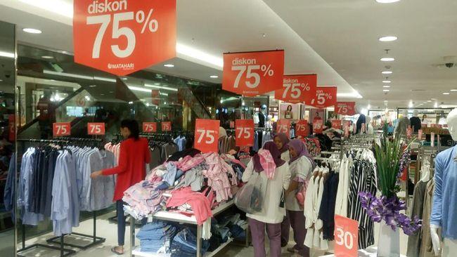 PT Matahari Department Store Tbk (LPPF) akan menutup dua gerainya di kawasan Pasaraya Blok M dan Manggarai pada akhir September ini.