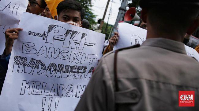 Penolak deklarasi 'setop isu kebangkitan PKI' menilai panitia acara telah melakukan propaganda dan secara terang-terangan menggelar kegiatan komunis.