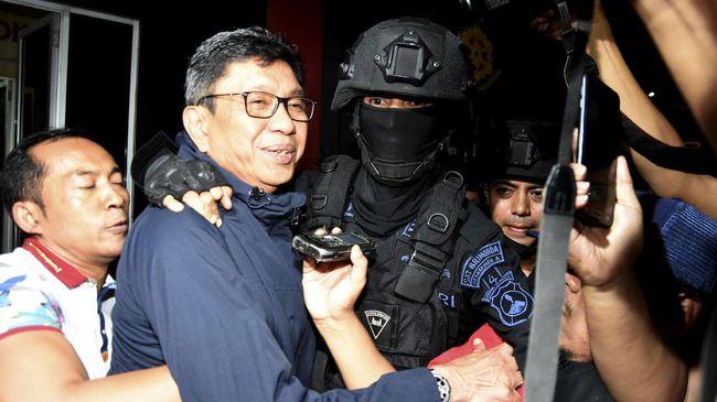 Eddy Rumpoko menggugat penetapan tersangkanya oleh KPK dalam perkara suap pengadan meubelair di Pemerintah Kota Batu, Jawa Timur, tahun anggaran 2017.