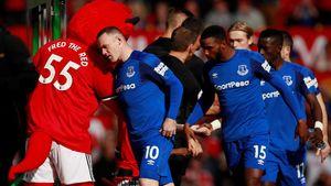 FOTO: Manchester United Mengamuk di Depan Rooney