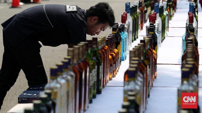 DPR telah menyiapkan Rancangan Undang-Undang Minuman Beralkohol (RUU Minol). Berikut geliat industri minuman beralkohol di Indonesia.