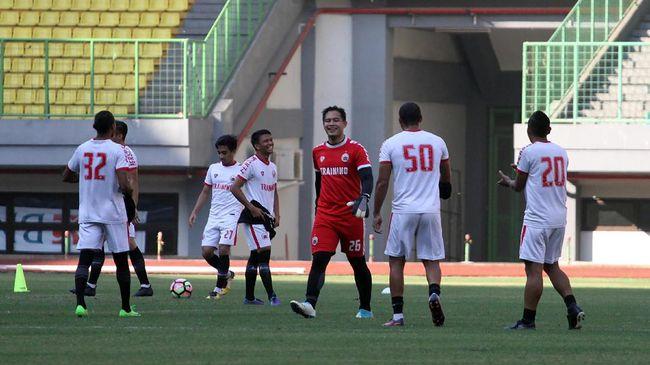 Tidak seperti kebanyakan lawan yang bertandang ke Stadion Mandala, Persija membuka opsi bermain menyerang ketika bertamu menghadapi Persipura Jayapura.