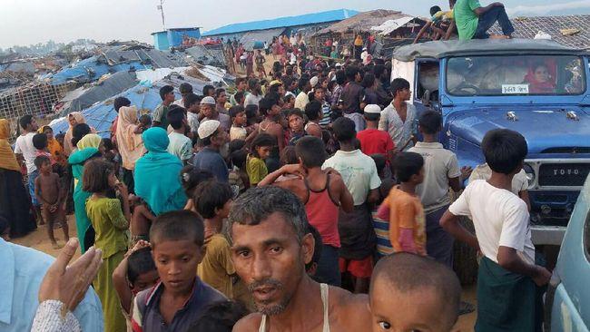 Setelah tiba di Bangladesh awal pekan ini, beras bantuan dari RI akhirnya sampai ke tangan 120 ribu pengungsi Rohingya di lokasi pengungsian di Cox's Bazar.