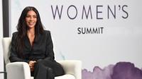 Butik Kim Kardashian Diteror Parang & Sumpah Serapah