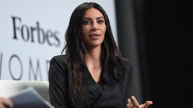 Kim Kardashian konsisten melakoni rutinitas olahraga harian demi tubuh yang 'berlekuk'.