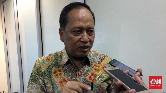 Menristekdikti M. Nasir mengajak seluruh mahasiswa Indonesia kembali ke kampus untuk belajar atau berdiskusi membahas tuntutan daripada demonstrasi di jalanan.