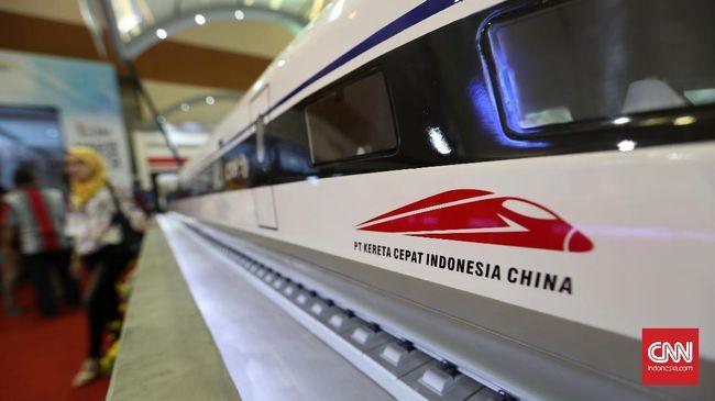 Proyek Kereta Cepat Jakarta-Bandung terganggu akibat virus corona karena 300 pekerja berasal dari China.