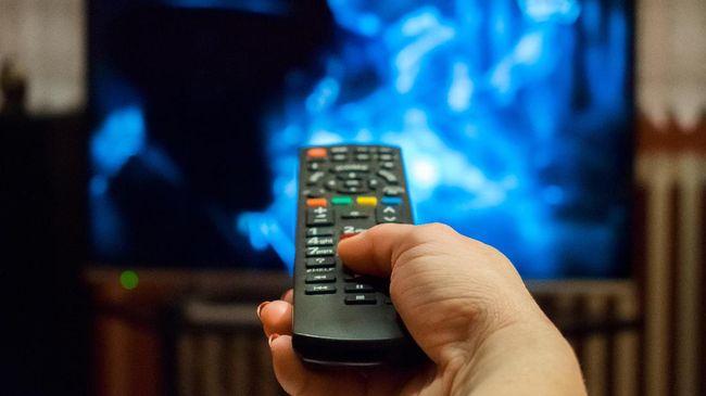 Di tengah maraknya pelanggaran dalam siaran televisi, mulai dari konten kekerasan hingga pornografi, penghentian program ternyata bukan solusi yang tepat.