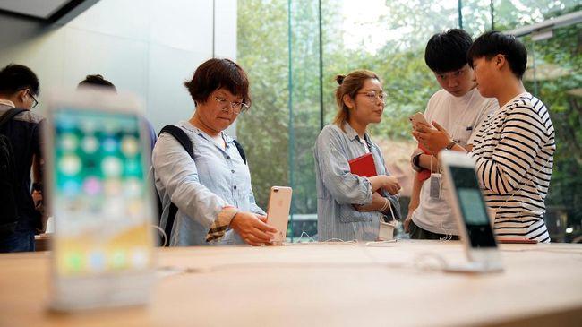 Apple akan menggratiskan reparasi iPhone 8 yang cacat karena masalah produksi.