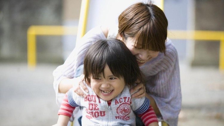 Bahagia kadang tercipta dari momen sederhana bareng si kecil.