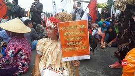 VIDEO: Petani Turun ke Jalan Tagih Janji Jokowi