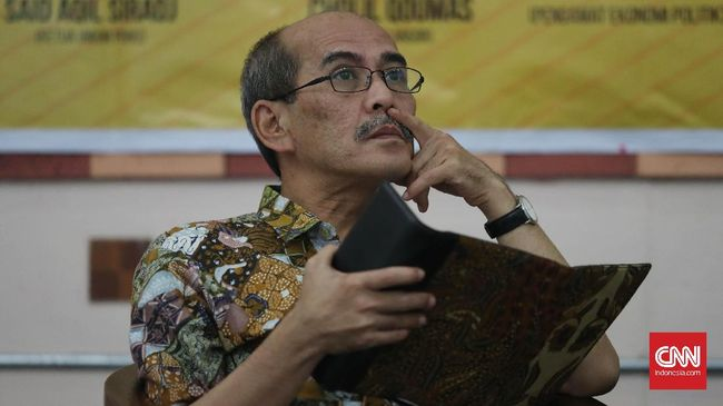 Faisal Basri menyatakan masalah pertumbuhan ekonomi di era Jokowi tidak mencapai target berkutat di soal investasi dan kebijakan.