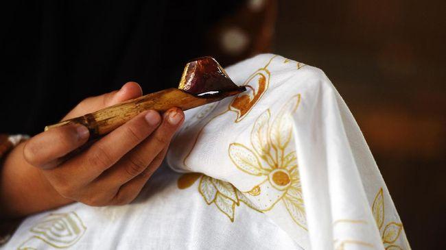 Cerita Bambang Sumardiyono Membatik Kimono Jepang