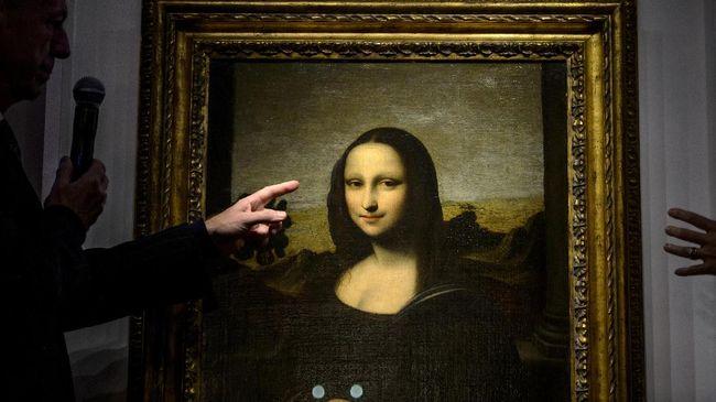 Agar tak terjadi tumpukan pengunjung, Museum Louvre menerapkan tiket masuk berjadwal.
