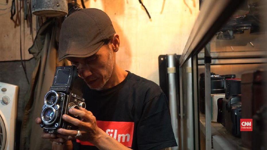 Arif dan Sisa Kejayaan Kamera Analog