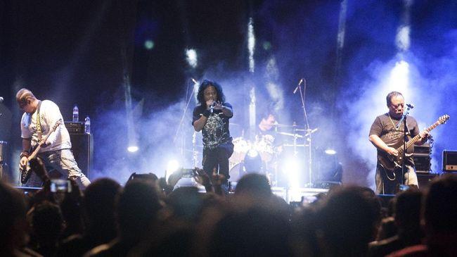 Banyaknya protes pelaksanaan JogjaROCKarta di Candi Prambanan salah satunya diakibatkan 'stigma' musik rock yang dianggap mengancam keutuhan cagar budaya itu.
