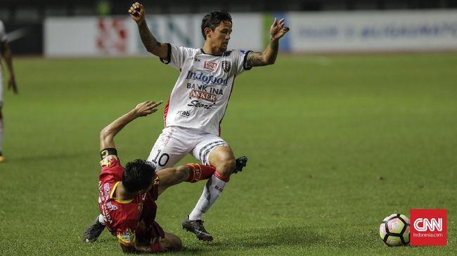 Penyerang berdarah Belanda, Irfan Bachdim resmi menjadi bagian dari PSS Sleman untuk musim kompetisi Liga 1 2020.