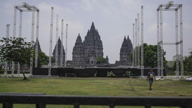 Beragam polemik yang muncul atas pelaksanaan 'JogjaROCKarta' bersumber pada satu hal: tidak adanya peraturan khusus yang menampung kegiatan macam konser.