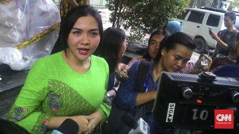 Vicky Shu Hadiri Sidang First Travel, Polisi Kerahkan Polwan