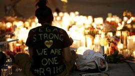 FOTO: Lentera dan Bunga untuk Korban Penembakan Las Vegas