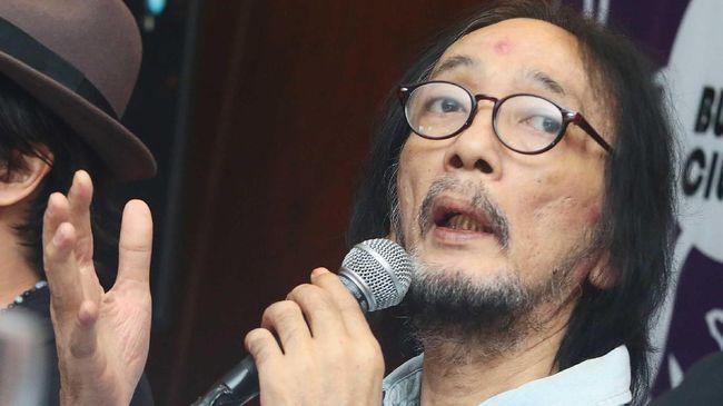 Musisi senior Yockie Suryo Prayogo akan menggelar konser 'Menjilat Matahari' yang menampilkan banyak lagu rock ciptaannya pada 11 Oktober nanti di Jakarta.