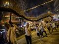 FOTO: Saat 'Naga' Mengelilingi Sudut Hong Kong