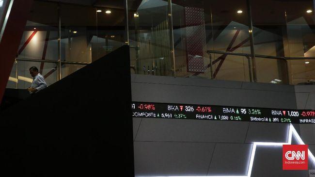 Indeks Harga Saham Gabungan (IHSG) pada perdagangan hari ini, Kamis (12/4), ditutup melemah 66,18 poin atau 1,04 persen ke level 6.310.