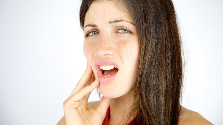 Sakit gigi tidak lagi berujung pada dicabutnya gigi, Bun. Ini semua karena perkembangan teknologi yang ada.