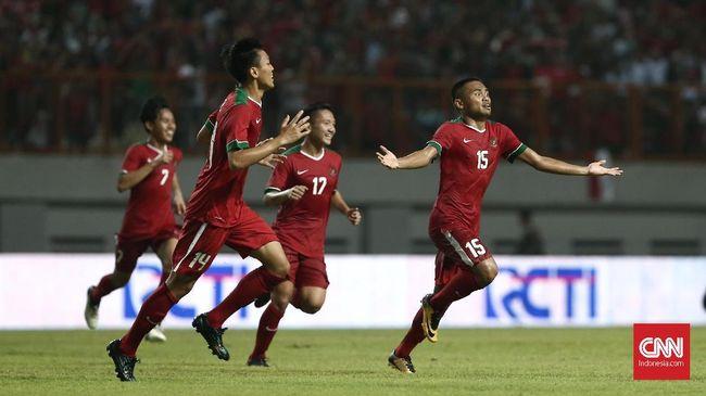 Striker Arema FC Ahmad Nur Hadianto batal membela Timnas Indonesia yang akan menghadapi laga uji coba internasional melawan Singapura, Rabu (21/3)