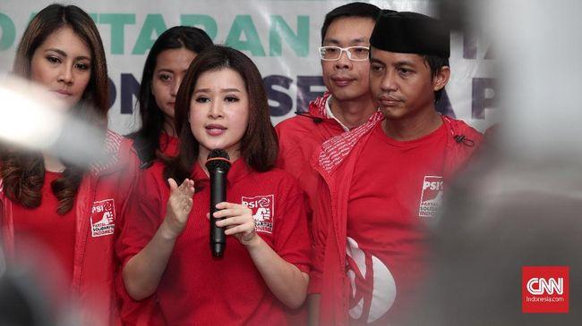 Wakil Sekjen Demokrat, Andi Arief menegaskan negara demokrasi tak bisa menolak produk hukum termasuk Perda Syariah selama dicapai melalui proses demokrasi.