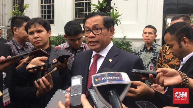 Seskab Pramono Anung berharap cawapres yang akan mendampingi Jokowi pada Pemilu 2019 bukanlah sosok yang menggerus elektabilitas Presiden.