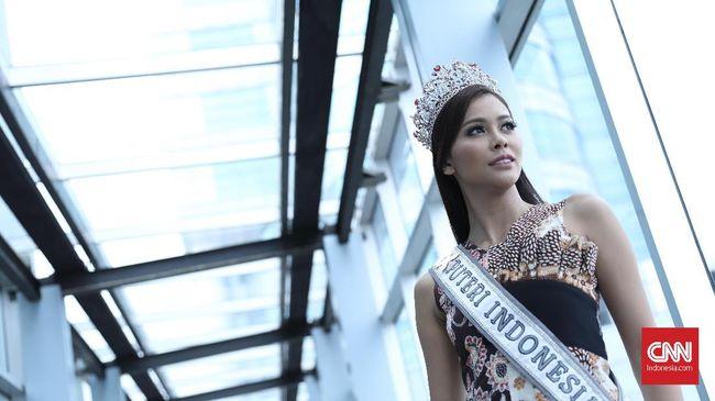 Kostum 'Warrior of Orang Utan', karya desainer Rinaldy A Yunardi akan bersaing di sesi Best National Costume pada Miss Universe, 26 November 2017.