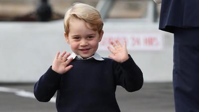 Keren! Pangeran George Berlatih Tenis dengan Roger Federer