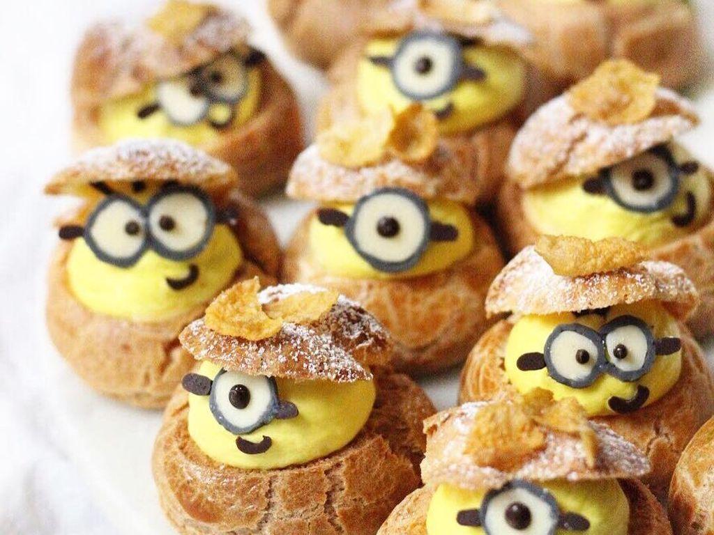 Minion! Siapa yang tak suka karakter berwarna kuning ini. Kalau diberi kue ini pasti sayang untuk menyantapnya. Foto: Instagram sweet_essence