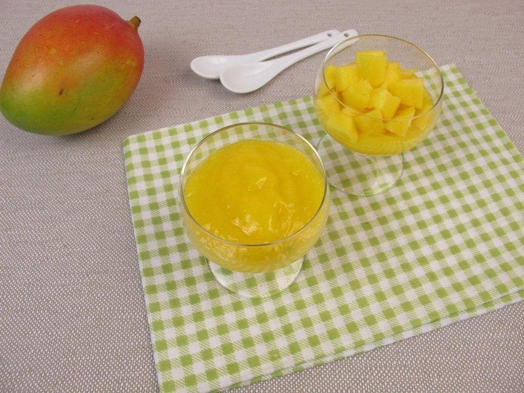 Bayi di Jamaika mengonsumsi puree dan lumatan buah. Tapi mereka memakai bahan makanan yang dianggap eksotis bagi orang barat. Misalnya mangga, naseberry dan jambu.