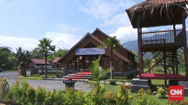 Di balik kemegahan Candi Borobudur, terdapat sejumlah desa wisata yang tak kalah menariknya untuk disambangi saat berwisata di Magelang.