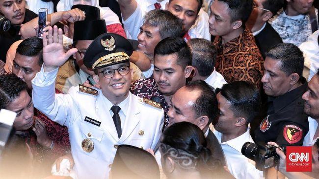 Dalam pidato pertama kali di balai Kota DKI Jakarta, Anies berjanji akan menghadirkan keadilan sosial bagi seluruh rakyat Jakarta.