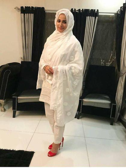 Cerita Artis Cantik Pakistan yang Keluar dari Dunia Hiburan Demi Hijabnya