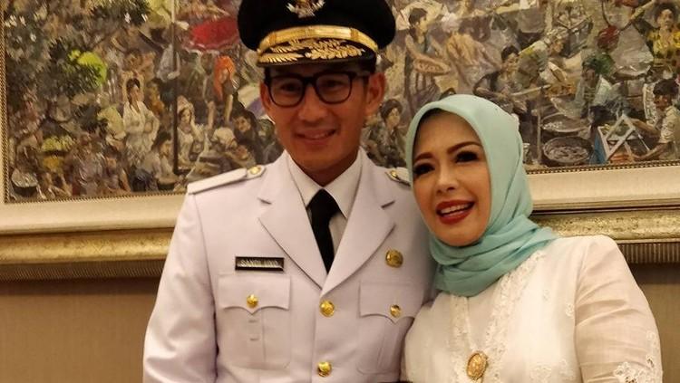 Kedua putrinya melanjutkan studi di Amerika Serikat, ini yang dilakukan istri wakil gubernur DKI Jakarta untuk selalu bisa berkomunikasi dengan anaknya.