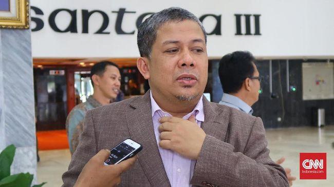 Wakil Ketua DPR Fahri Hamzah meminta Kementerian Keuangan dan Kementerian Dalam Negeri membuat regulasi soal pembiayaan kampanye dan partai.