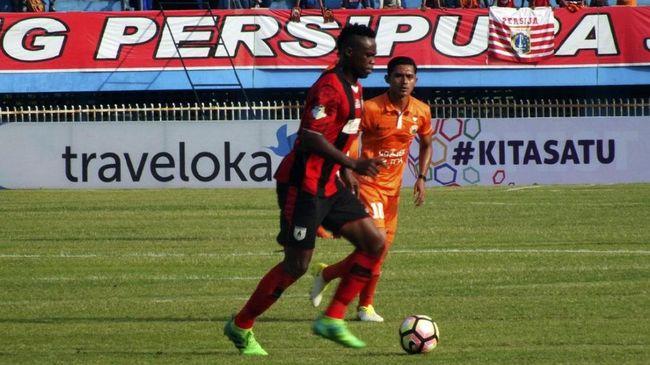 Pelatih Barito Putra Djajang Nurjaman dan pelatih Persipura Jacksen F. Tiago menyatakan mengikuti keputusan PSSI soal penundaan Liga 1.