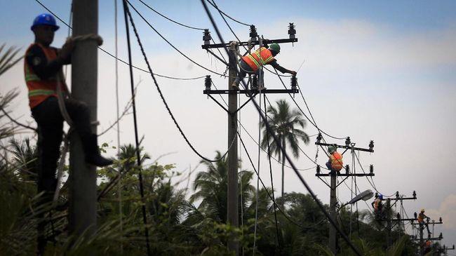 Kementerian ESDM menyebut, dalam tiga tahun kepemimpinan Jokowi, rasio elektrifikasi Indonesia naik dari 83,45 persen menjadi 93,08 persen.