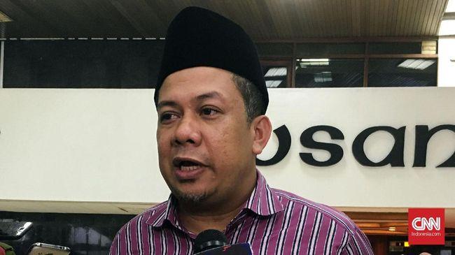 Untuk menghilangkan kecurigaan publik, Fahri Hamzah meminta Jokowi menjelaskan soal rencana Kemendagri menunjuk jenderal polisi menjadi Plt Gubernur.