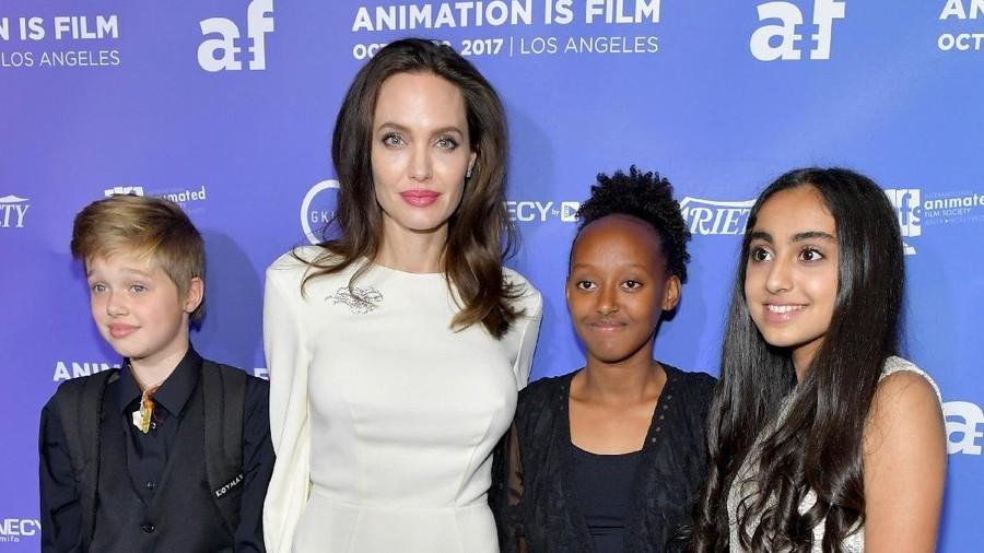 Alasan Angelina Jolie Tak Undang Brad Pitt Saat Ultah Anak