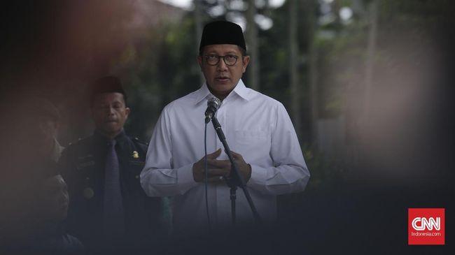 Meski mengkritik putusan Pengadilan Agama Bantaeng soal disepensasi pada pernikahan dini di sana, Menteri Agama Lukman HS mengaku tak bisa mengintervensi.
