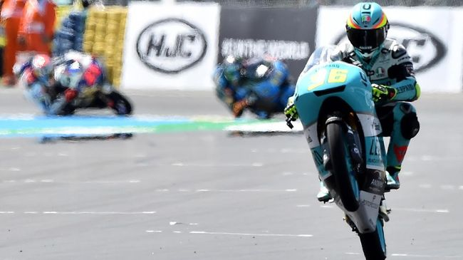 Bintang Moto2 Joan Mir resmi direkrut Suzuki untuk tampil di MotoGP 2019 untuk menggantikan Andrea Iannone yang memutuskan hengkang ke Aprilia.